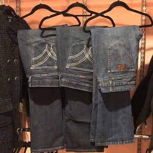 Lot of three Wrangler jeans